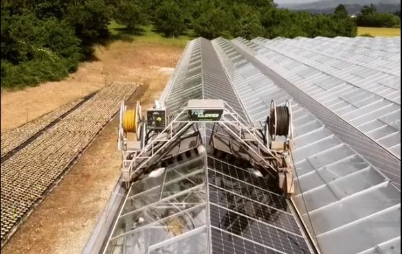 Nettoyage de la serre photovoltaïque